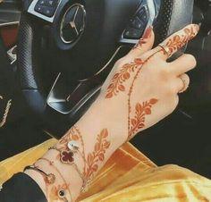 Arabic Bridal Mehndi Designs, Modern Henna Designs, Rose Mehndi Designs, Latest Henna Designs, Back Hand Mehndi Designs, Stylish Mehndi Designs, Mehndi Designs For Girls, Mehndi Design Photos, Henna Designs Easy