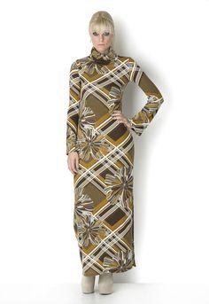 ΦΟΡΕΜΑ MAXI ΖΙΒΑΓΚΟ - Είναι υπέροχο όταν φοριέται με μπότες και του πάνε τα μαζεμένα μαλλιά. High Neck Dress, Dresses With Sleeves, Long Sleeve, Skirts, Fashion, Gowns With Sleeves, Moda, Sleeve Dresses, Skirt