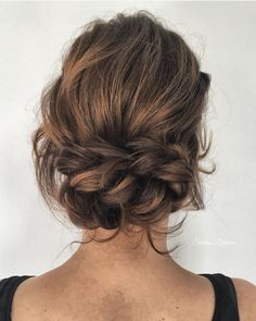 Gorgeous messy wedding updos 5