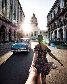 #Havanna eine Zeitreise, aber wie lange ist diese noch möglich? Warst du schon in Kuba, 🇨🇺 oder würdest du gerne mal hin Fliegen? Deine Erfahrungen nehmen mich wunder.. 📸#GH5 #LUMIX #partner @lumix_ch Nützliche Havanna Tipps findest du übrigens bei uns auf dem Blog littlecity.ch! Havanna, Louvre, England, Building, Partner, Travel, Inspiration, Traveling, Hidden Places