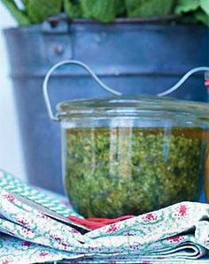 Minze-Cashew-Pesto Rezept - [LIVING AT HOME]