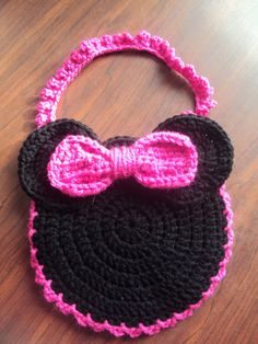 Minnie Mouse purse, BDAY present for tory Crochet Girls, Love Crochet, Crochet For Kids, Diy Crochet, Crochet Crafts, Minnie Mouse Purse, Crochet Mickey Mouse, Crochet Disney, Crochet Shell Stitch