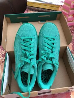 e08f539520ab2a Puma Suede Colored Simply Green Leather Classic Casual Women size 7   fashion  clothing