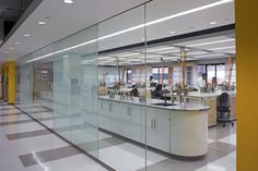 As part of their Science Education Alliance (SEA), the Howard Hughes Medical Institute aligned with the University of Maryland Baltimore County to transform teaching and laboratory space within the Meyerhof Chemistry Building. Pop Design, Design Lab, Howard Hughes, Medical Laboratory Science, Research Lab, Innovation Lab, Chemistry Labs, Hospital Design, Workplace Design