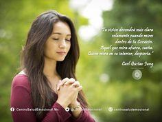 #MirarEnCorazon #MirarInterior #Despertar #CarlJung #Jung #SaludEmocional #CentroSaludEmocional #Frase #0040