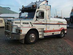 Scania 143 M10-09-2006 21-34-41000 (2).jpg