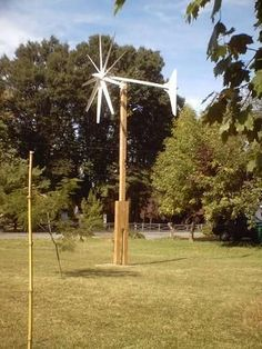 I'm very interested in freedom, and anything you do not have to pay for. The wind is free , but turbines cost a lot , so here is how to build a ten foot diameter wind turbine on the cheap.