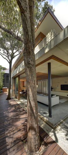 Flexible and enduring architecture in Queens Park | Designhunter - architecture & design blog