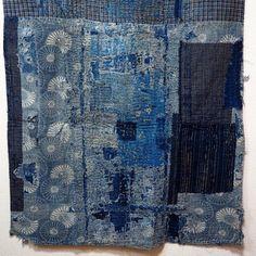 Antique Japanese Boro Patchwork Indigo Shikibuton (futon underquilt or padding) Trop beau Japanese Patchwork, Japanese Textiles, Japanese Fabric, Textile Prints, Textile Art, Vintage Japanese, Japanese Art, Shibori, Boro Stitching