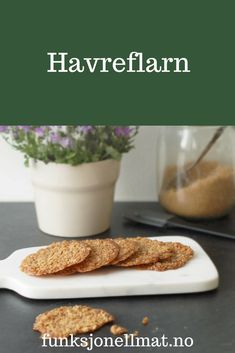 Havreflarn - Funksjonell Mat | Havreflarn recipe | Sunne oppskrifter | Sukkerfri kjeks | Havreflarn biscuits | Havreflarn healthy | Hjemmelaget kjeks | Oppskrift kake Shawarma, Fika, French Toast, Food And Drink, Low Carb, Cookies, Breakfast, Healthy, Desserts