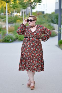 Head to my blog to see my top 4 favourite summer dresses of 2016 <3 #summerdresses #plussize #blogger #fashion www.dressingoutsidethebox.com
