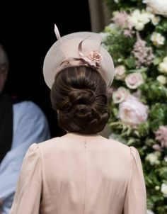 Catherine Duchess of Cambridge attends the wedding of Pippa Middleton and James Matthews at St Mark's Church on May 20 2017 in Englefield Green… Pippa Middleton Wedding, Kate Middleton Hair, The Duchess, Duchess Of Cambridge, Up Hairstyles, Wedding Hairstyles, Pippas Wedding, Duchesse Kate, Herzogin Von Cambridge