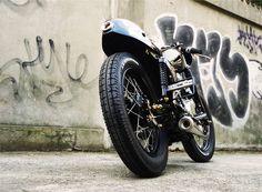 SR400 ''Small Black Racer''
