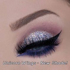 Glitter Eyes 'Xtra Sparkles' Pot by GlitterEyes (105 VEF) ❤ liked on Polyvore featuring beauty products
