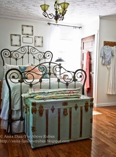 Far Above Rubies: New vintage bedroom and the photo shoot...