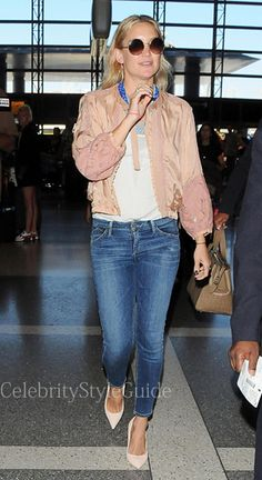 Seen on Celebrity Style Guide: Kate Hudson wearing a pair of Goldsign Glam skinny crop jeans in Gracie while arriving at LAX Airport on July 16.  Get Kate's Jeans Here: http://rstyle.me/~2fo0H