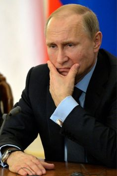 Vladimir Putin Presidente de Rusia ~ looking pretty disgusted. ~