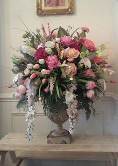 The Best Wedding Flower Arrangement Ideas - Put the Ring on It Silk Floral Arrangements, Church Flower Arrangements, Church Flowers, Beautiful Flower Arrangements, Floral Centerpieces, Beautiful Flowers, Wedding Centerpieces, Tall Centerpiece, Tall Vases
