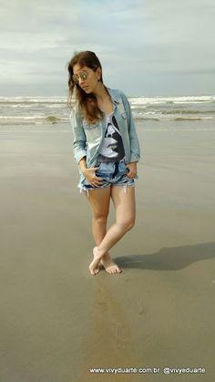 Vivy Duarte: Look do Dia: Camisa Jeans na Praia