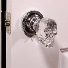 Skull doorknob: Krystal Touch of NY Skull Crystal Antique Brass Privacy Door Knob with LED Mixing Lighting Touch Activated.