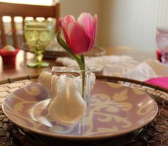 pink tulip place setting