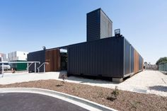 Shipping Containers building - Buscar con Google