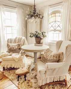 Shabby Chic Interior Design Ideas For Your Home Shabby Chic Interiors, Shabby Chic Homes, Shabby Chic Furniture, Shabby Chic Decor, Cottage Living, Home Living Room, Living Room Decor, Living Spaces, Shabby Chic Kitchen