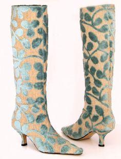 Sea green velvet leaf boots from Mandarina shoes