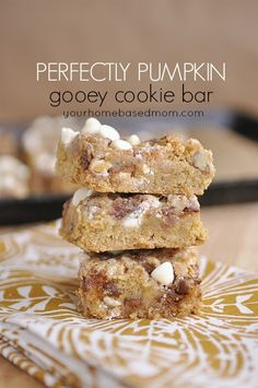 Pumpkin Spice Magic Cookie Bars @yourhomebasedmom.com #pumpkin  #fallrecipes