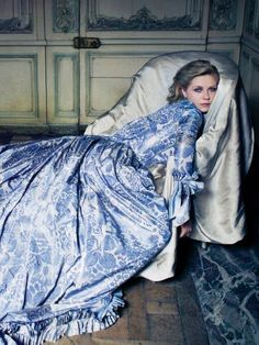 Kirsten Dunst as Marie Antoinette, photographed by Annie Leibovitz for the Vogue September 2006 issue.