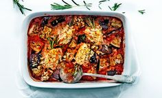 kippendijen met aubergine en kruidenpangrattato Dutch Recipes, Italian Recipes, Great Recipes, Dinner Recipes, Healthy Recipes, Feel Good Food, I Love Food, Roll Ups, Food Inspiration