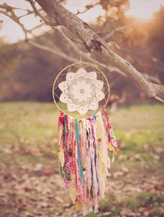 Embroidery Hoop Dream Catcher with Kristi Visser Dream Catcher Use, Making Dream Catchers, Cute Crafts, Diy And Crafts, Arts And Crafts, Teen Crafts, Diy Dream Catcher Tutorial, Yolo, Hoop Dreams