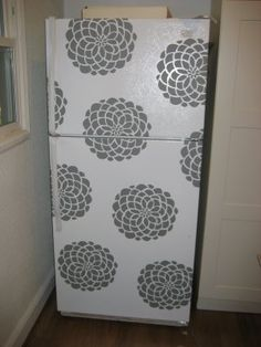 wall decals for fridge. The base housing fridge makes me sad Paint Refrigerator, Painted Fridge, Dorm Fridge, Fridge Stickers, Fridge Makeover, Patio Makeover, Painting Appliances, Upcycled Furniture, Diy Furniture