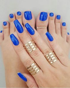 nail polish nails simple Nails Design and nail polish ideas Blue Toe Nails, Pretty Toe Nails, Sexy Nails, Hot Nails, Trendy Nails, Blue Toes, Royal Blue Nail Polish, Nail Design Spring, Toe Nail Designs