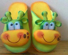 Foam Crafts, Paper Crafts, Diy Crafts, Cute Slippers, Ideias Diy, Cute Clay, Jungle Animals, Cold Porcelain, Baby Decor