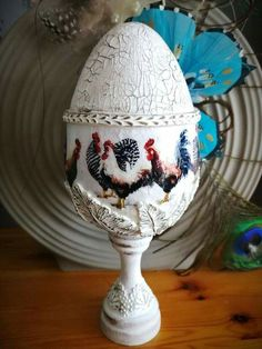 Easter Art, Easter Crafts, Easter Eggs, Easter Projects, Projects To Try, Faberge Eggs, Egg Art, Decoupage, Diy And Crafts