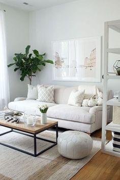 Небольшой стильный  диван