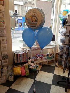 Rachel Ellen foil with two latex balloons.