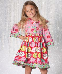 With a darling mix of prints and ruffle trim, this hooded dress is ready for a walk on the smile side. A button front and soft cotton keep cuties comfy with delightful ease.