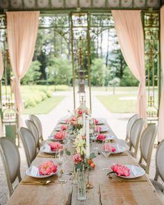 Passend zu diesem verrückten Wetter - zwischen Regen & Sonne - möchte ich euch heute unser sommerliches Peach Shooting aus dem letzten Jahr zeigen, das gestern bei @hochzeitskiste veröffentlicht wurde! 😍 Ich bin immer noch ganz verliebt in diese schönen Farben, die fröhliche Stimmung und natürlich die Alpakas! 🦙  Wie gefällt euch dieses Konzept? 🥰✨ ⠀⠀⠀⠀⠀⠀⠀⠀⠀⠀⠀ ⠀⠀⠀⠀⠀⠀⠀⠀⠀⠀⠀ ⠀⠀⠀⠀⠀⠀⠀⠀⠀⠀⠀ ⠀⠀⠀⠀⠀⠀⠀⠀⠀⠀⠀ ⠀⠀⠀⠀⠀ planning & concept: @oneday_weddings  location: @hochzeiten_schlosswartholz… Wedding Locations, Peach, Table Decorations, Instagram, Home Decor, Paper Mill, Name Labels, Concept, Weather