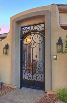 modern home gates design ideas for this years page 12 Steel Gate Design, Front Gate Design, House Gate Design, Iron Front Door, Front Gates, Entrance Gates, Iron Garden Gates, Front Courtyard, Wrought Iron Doors