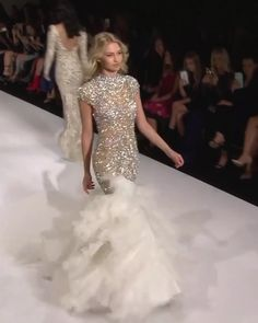 Sherri Hill Look Spring Summer 2018 Collection - Stunning Golden Embellished Mermaid Evening Dress / Evening Gown with High Neckline, Open Back Illusion and short Sleeves. Runway Show by Sherri Hill Source by - Short Dresses, Prom Dresses, Formal Dresses, Wedding Dresses, Pageant Gowns, Elegant Dresses, Pretty Dresses, Awesome Dresses, Couture Dresses