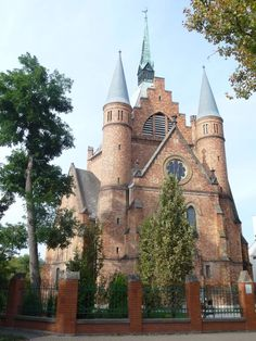 Parks, Kirchen, Tao, Barcelona Cathedral, Countryside, Mansions, House Styles, Building, Travel