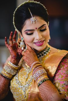 #makeupforever #makeupart #beautymakeup #instamakeup #weddingsutra #makeupaddict #makeuplover #makeuplove #weddingmakeupideas Bridal Beauty, Wedding Beauty, Wedding Bride, Bridal Hair, Wedding Ideas, Indian Wedding Makeup, Braut Make-up, Bride Look, Bride Makeup
