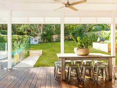 North Avalon Beach House by Stritt Design and Construction Indoor Outdoor Living, Outdoor Spaces, Dark Timber Flooring, Avalon Beach, Hamptons Style Homes, Alfresco Area, Queenslander, Beach Shack, Decks And Porches