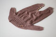 Vibe Buksedragt – Knit By TrineP Gloves, Knitting, Fashion, Velvet, Moda, Tricot, Breien, Fasion, Weaving