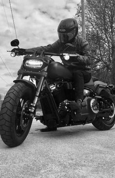 Harley Davidson Events Is for All Harley Davidson Events Happening All Over The world Harley Davidson Fat Bob, Harley Davidson Museum, Harley Davidson Motorcycles, Womens Motorcycle Helmets, Cruiser Motorcycle, Motorcycle Girls, Motorcycle License, Honda Motorcycles, Custom Motorcycles