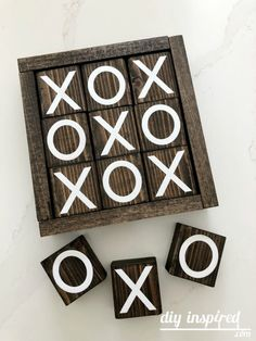 DIY Tic Tac Toe Game from Wood Scraps Bee Crafts, Diy Crafts To Sell, Handmade Crafts, Vinyl Projects, Craft Projects, Craft Ideas, Mason Jar Crafts, Mason Jar Diy, Scrabble Tile Wall Art