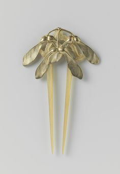 Art nouveau hair pin, horn and silver with silver-plated maple seeds. Lucien Gaillard, 1902-1906. (collection of the Rijksmuseum)