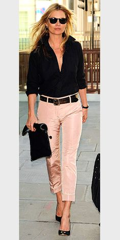 KATE MOSS - Pink skinnies and black blouse